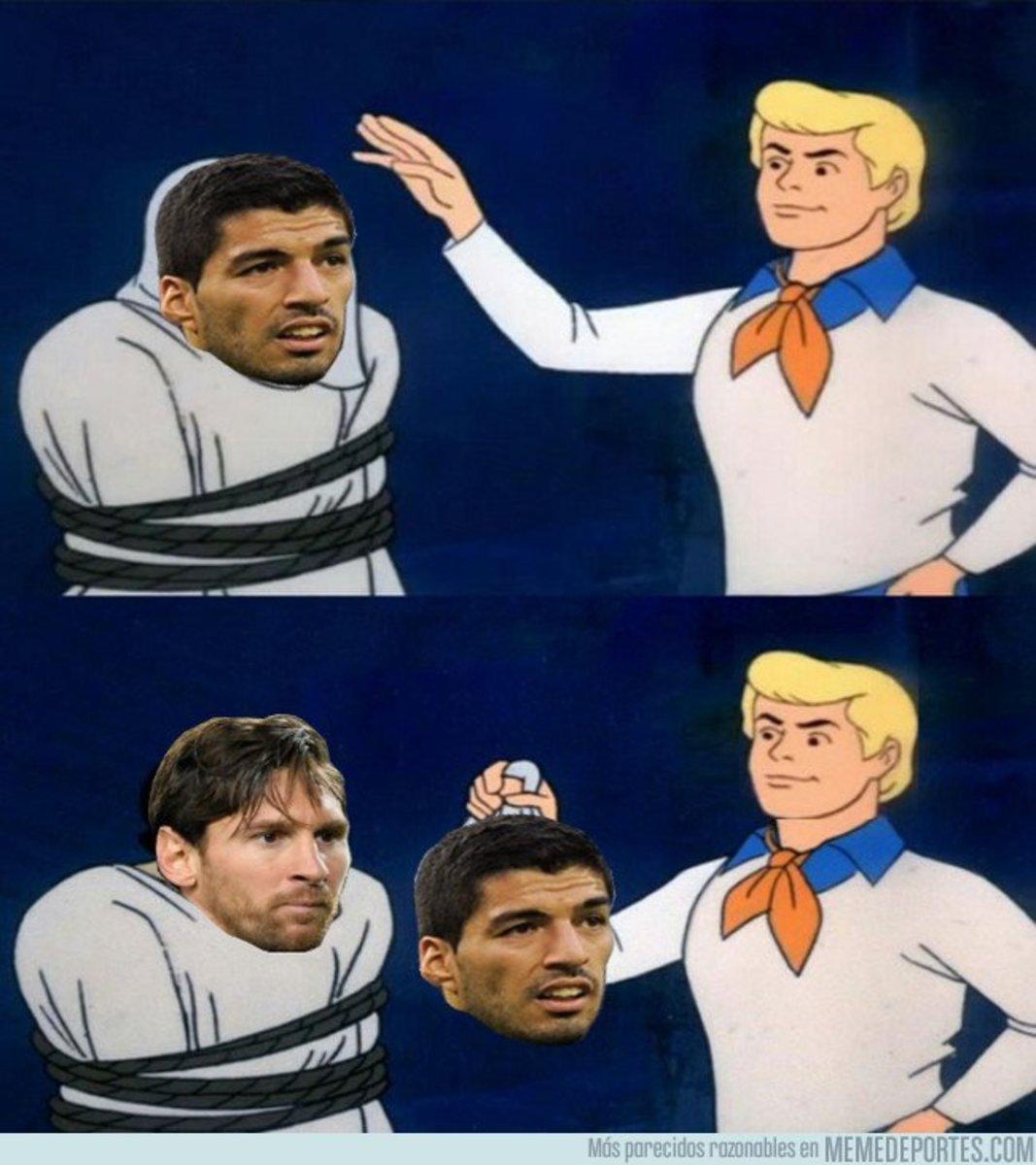 1054673 - Hoy Luis Suárez recordó a otro futbolista marcando un hack-trik en el clásico y fue a...