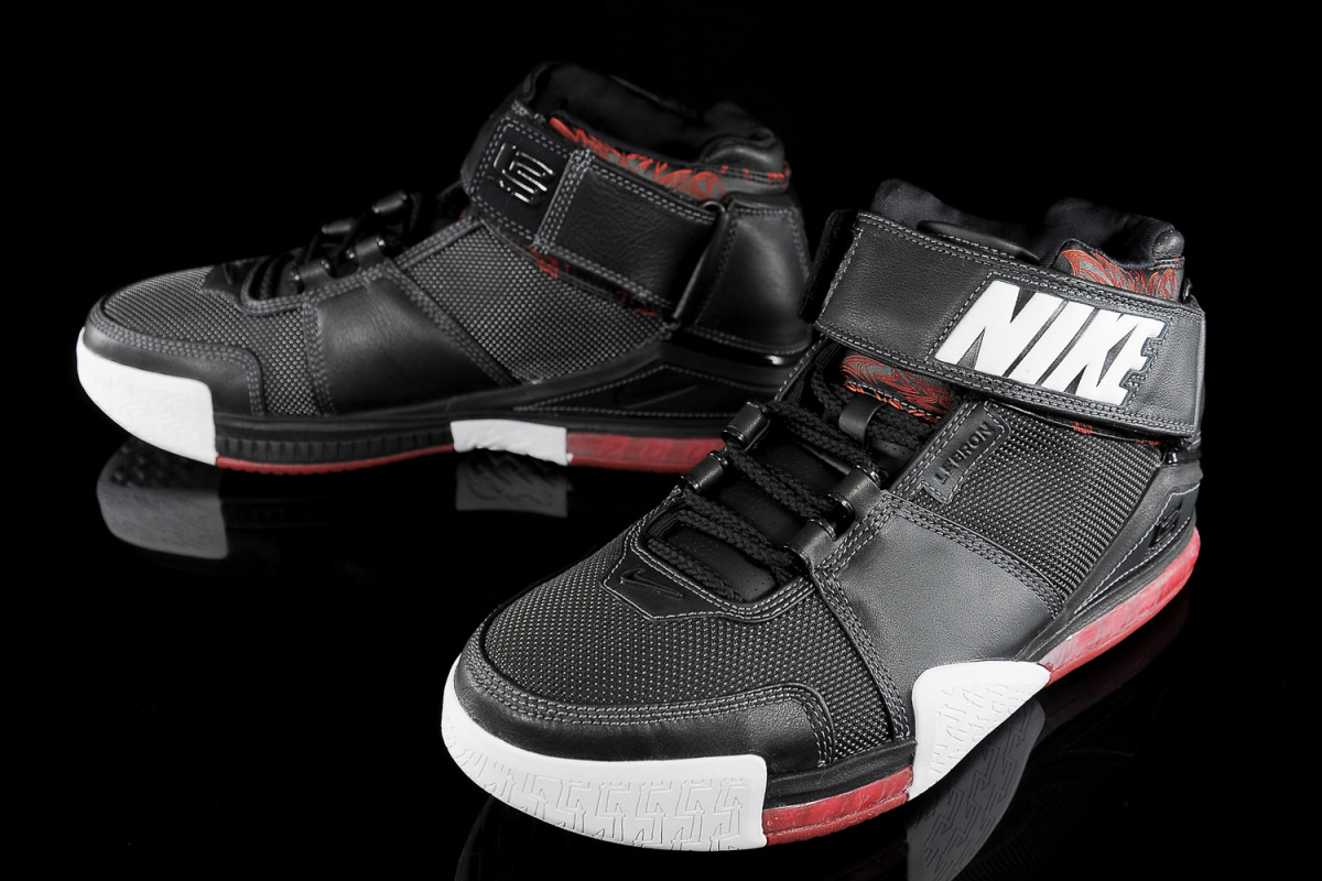 Educación moral síndrome constructor  LeBron James Signature Sneakers: Ranking the Best of the King - Sports  Illustrated