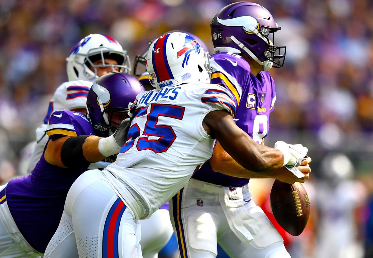 bills-defense-vikings-jerry-hughes-kirk-cousins.jpg