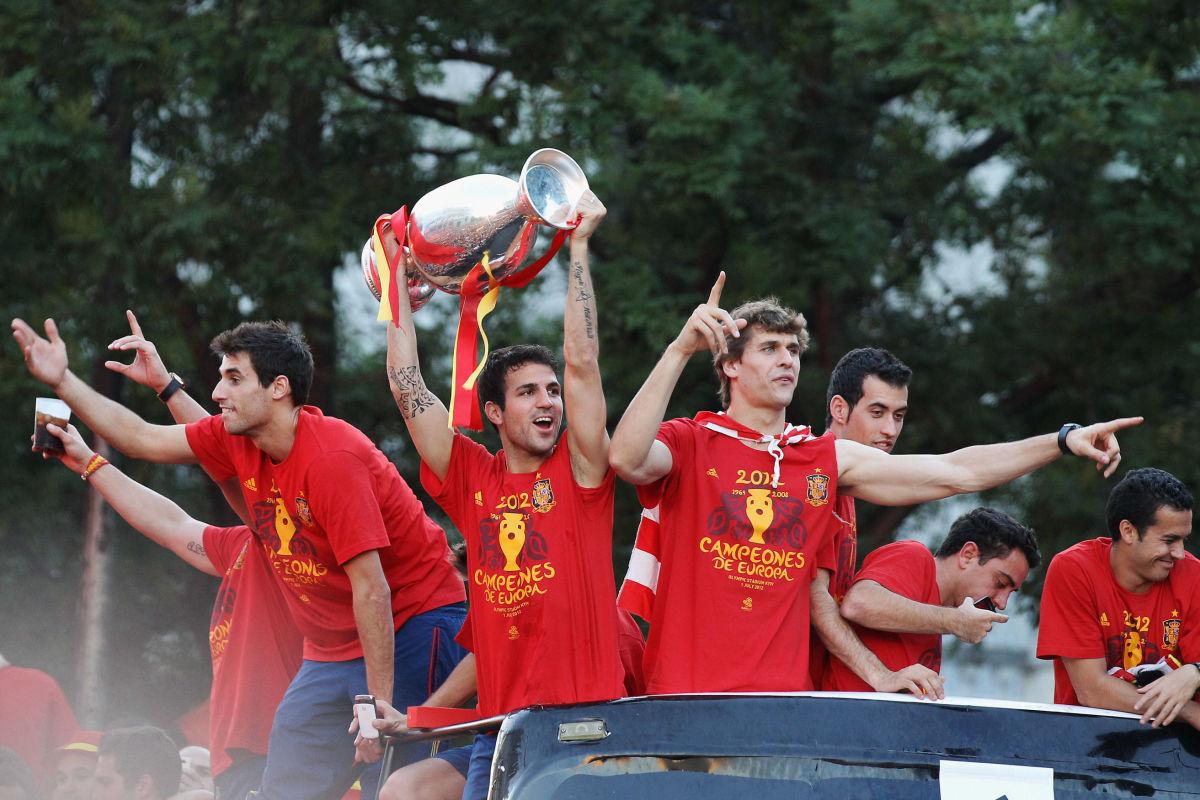 uefa-euro-2012-champions-spain-victory-parade-and-celebrations-5b448ed13467acc24c000001.jpg