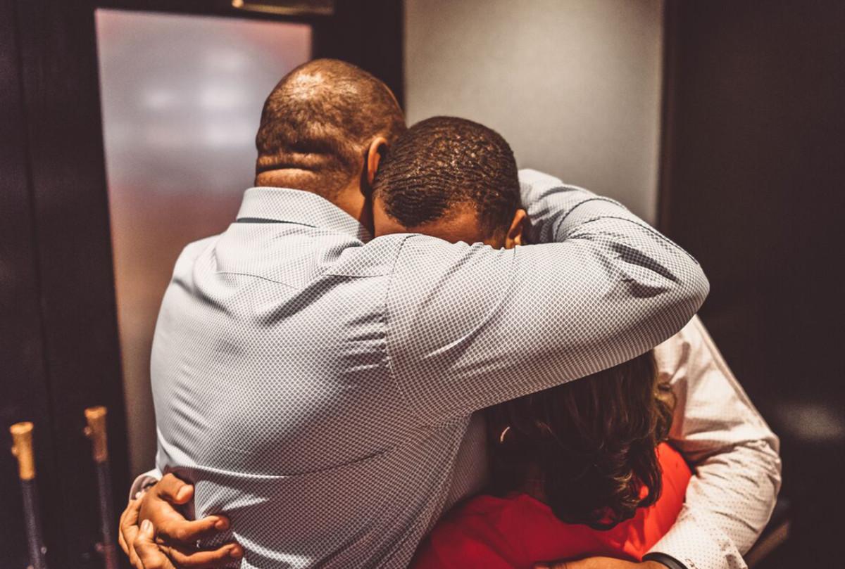 bradley-chubb-dinner-parents-hug.jpg