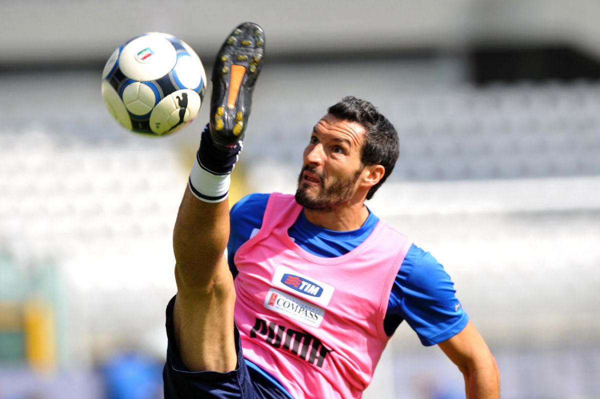 italy-s-national-football-team-player-gi-5b3cacc1347a0224ce000002.jpg