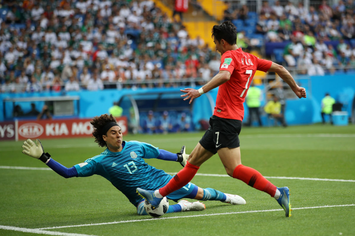 korea-republic-v-mexico-group-f-2018-fifa-world-cup-russia-5b37cc8e73f36ca46d000001.jpg