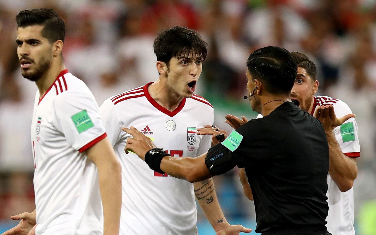 iran-portugal-referee-var.jpg