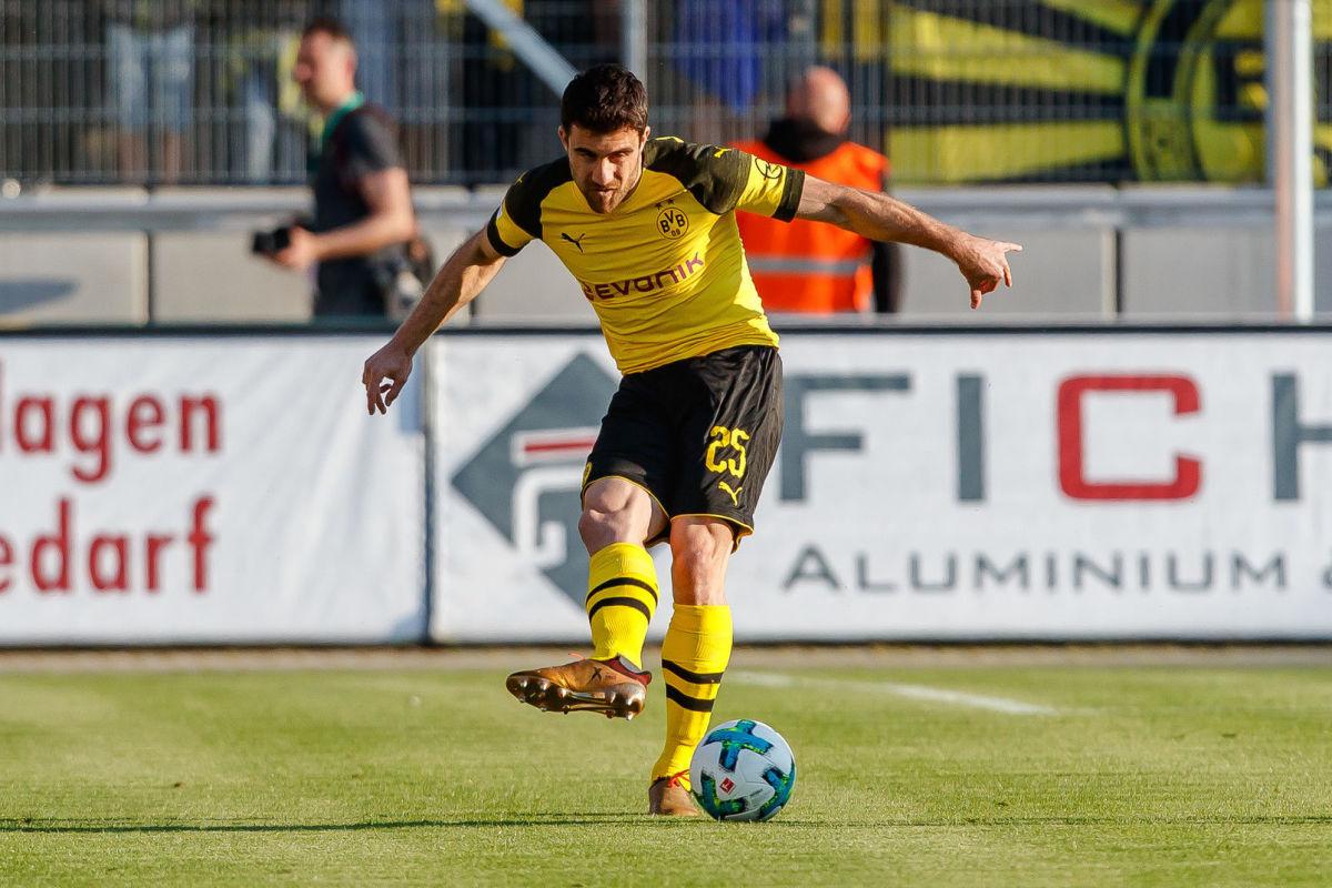 fsv-zwickau-v-borussia-dortmund-friendly-match-5b31e87d3467acdbae000017.jpg