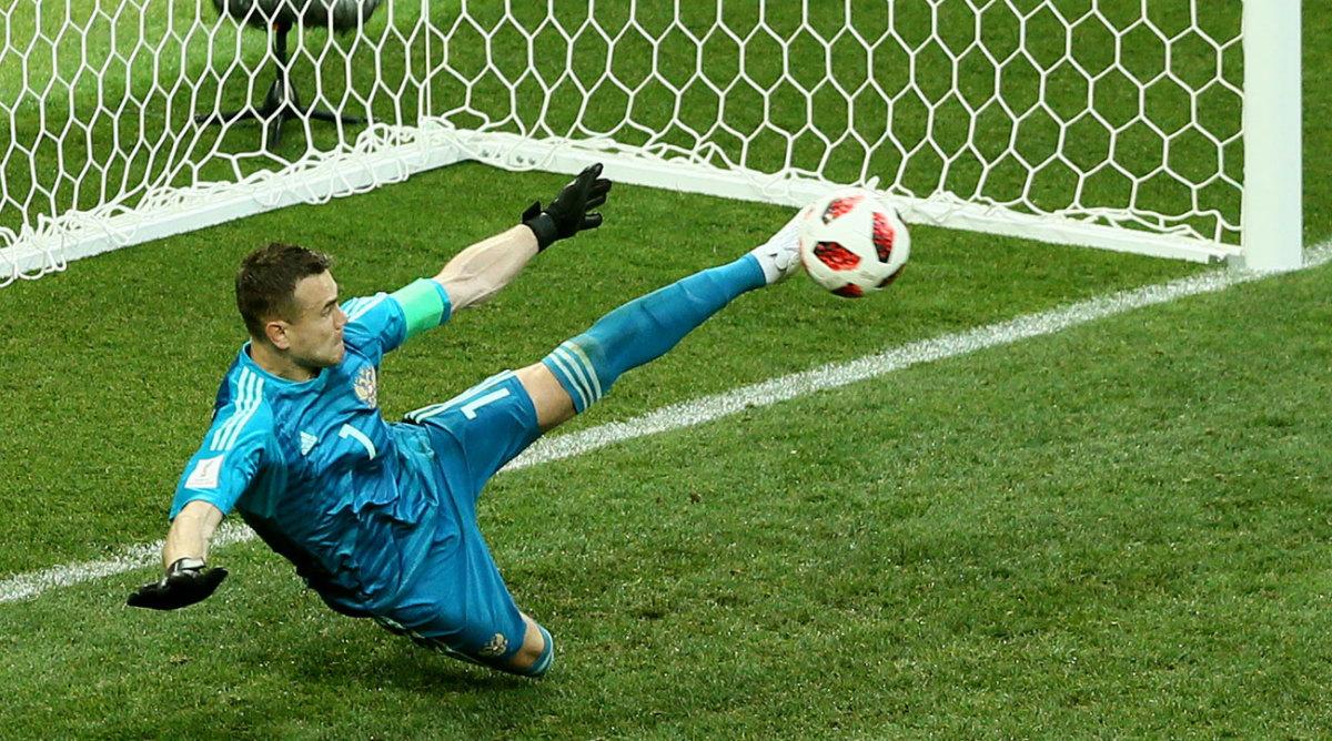 russia-spain-pks-akinfeev-world-cup.jpg