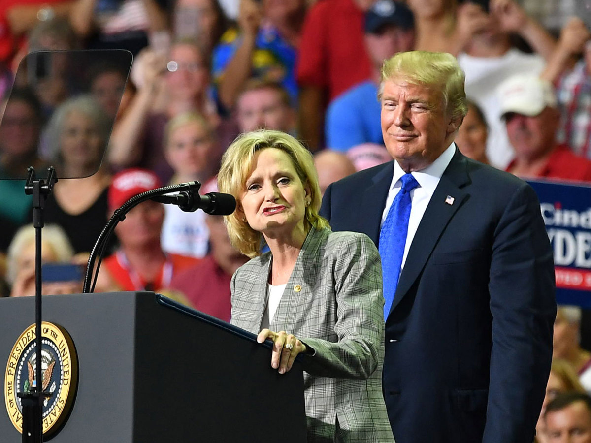 hyde-smith-trump-inline.jpg
