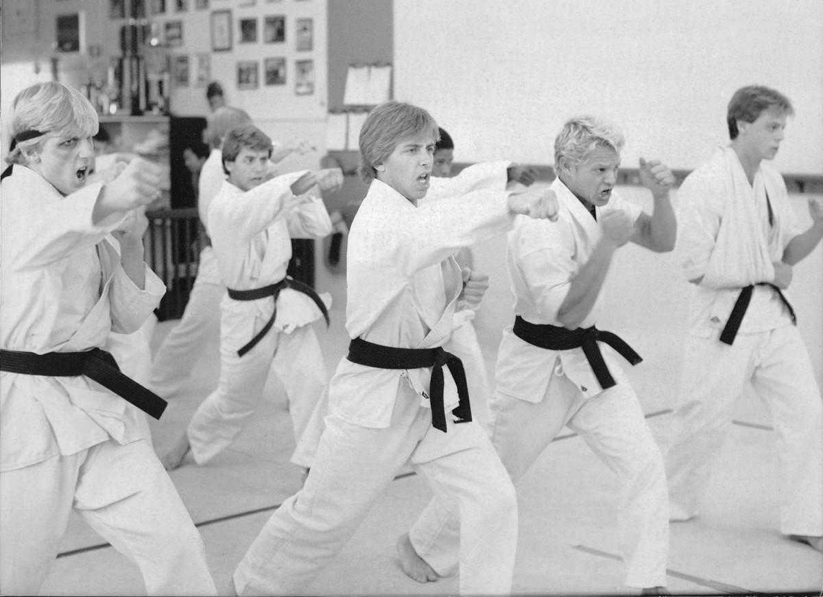 karate-training-group2-odell.jpg
