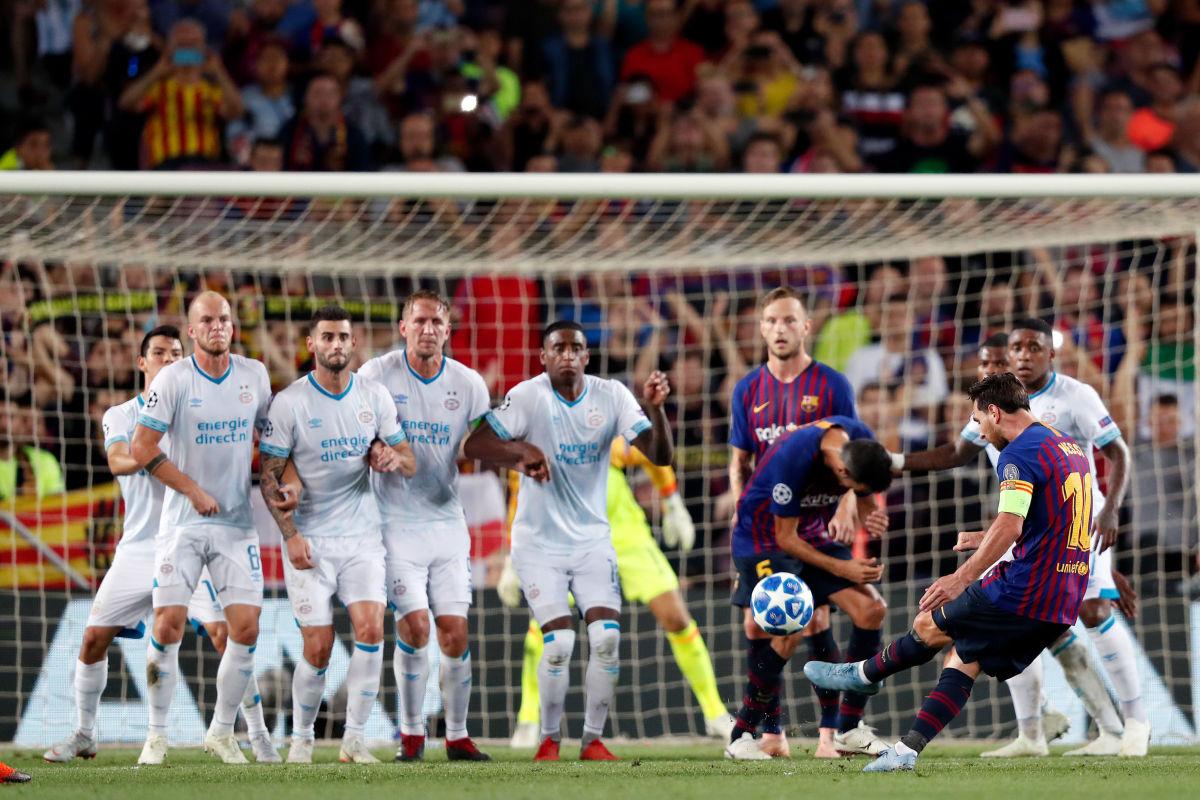 fc-barcelona-v-psv-uefa-champions-league-5ba1658351c232813f000001.jpg