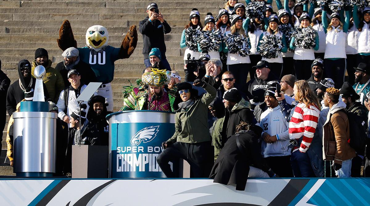 jason-kelce-eagles-super-bowl-parade.jpg