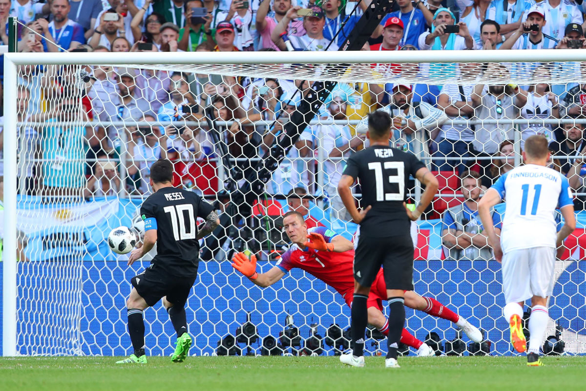 argentina-v-iceland-group-d-2018-fifa-world-cup-russia-5b261be9f7b09d196b000001.jpg