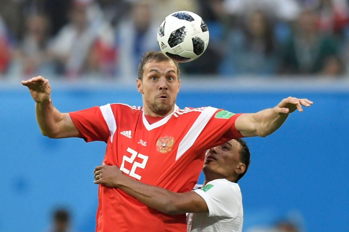 topshot-fbl-wc-2018-match17-rus-egy-5b296bbcf7b09d18c6000003.jpg