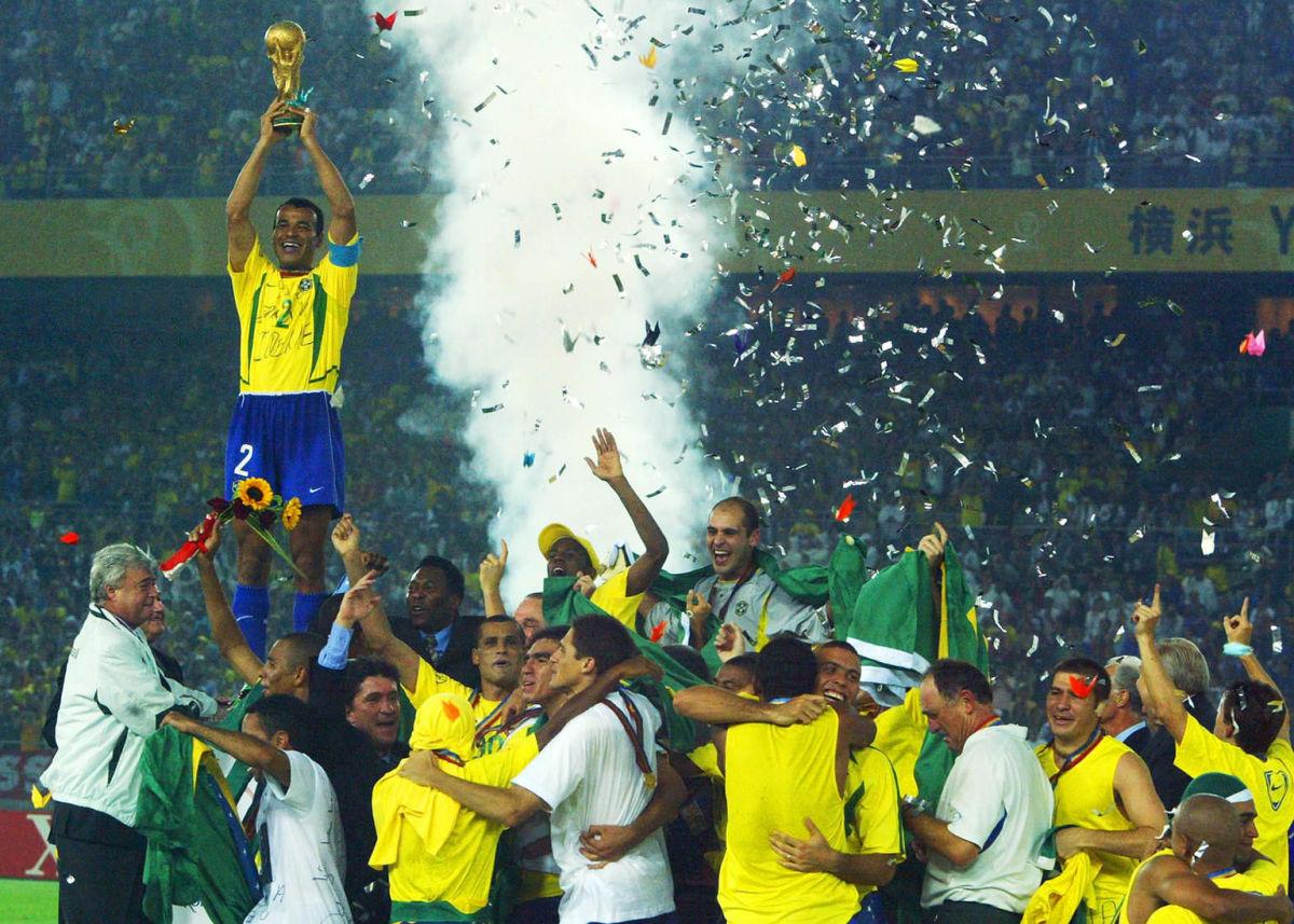 brazil-s-team-captain-and-defender-cafu-5b377c9df7b09d713b000003.jpg