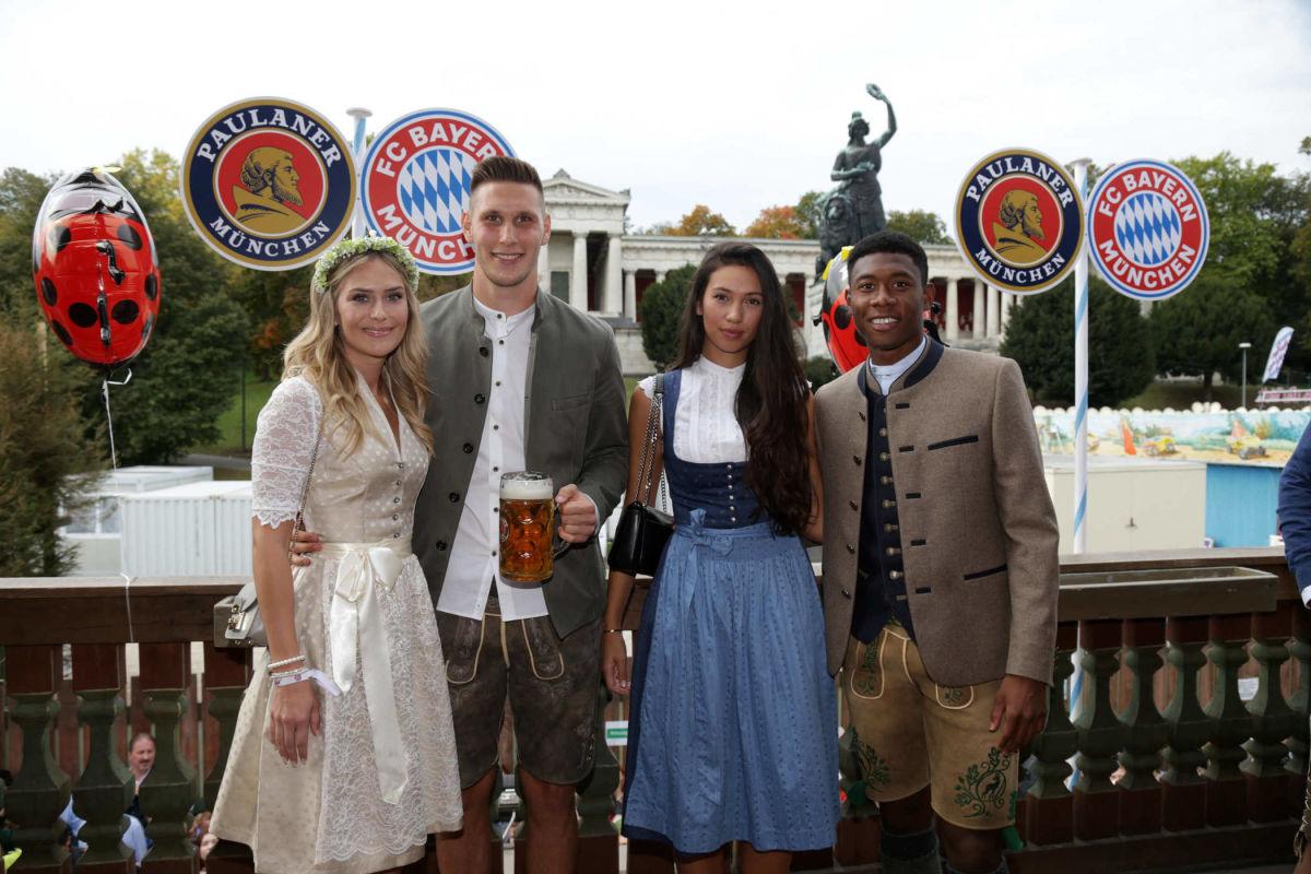 fc-bayern-muenchen-attends-oktoberfest-2018-5bbb2d5a665436a1b9000003.jpg