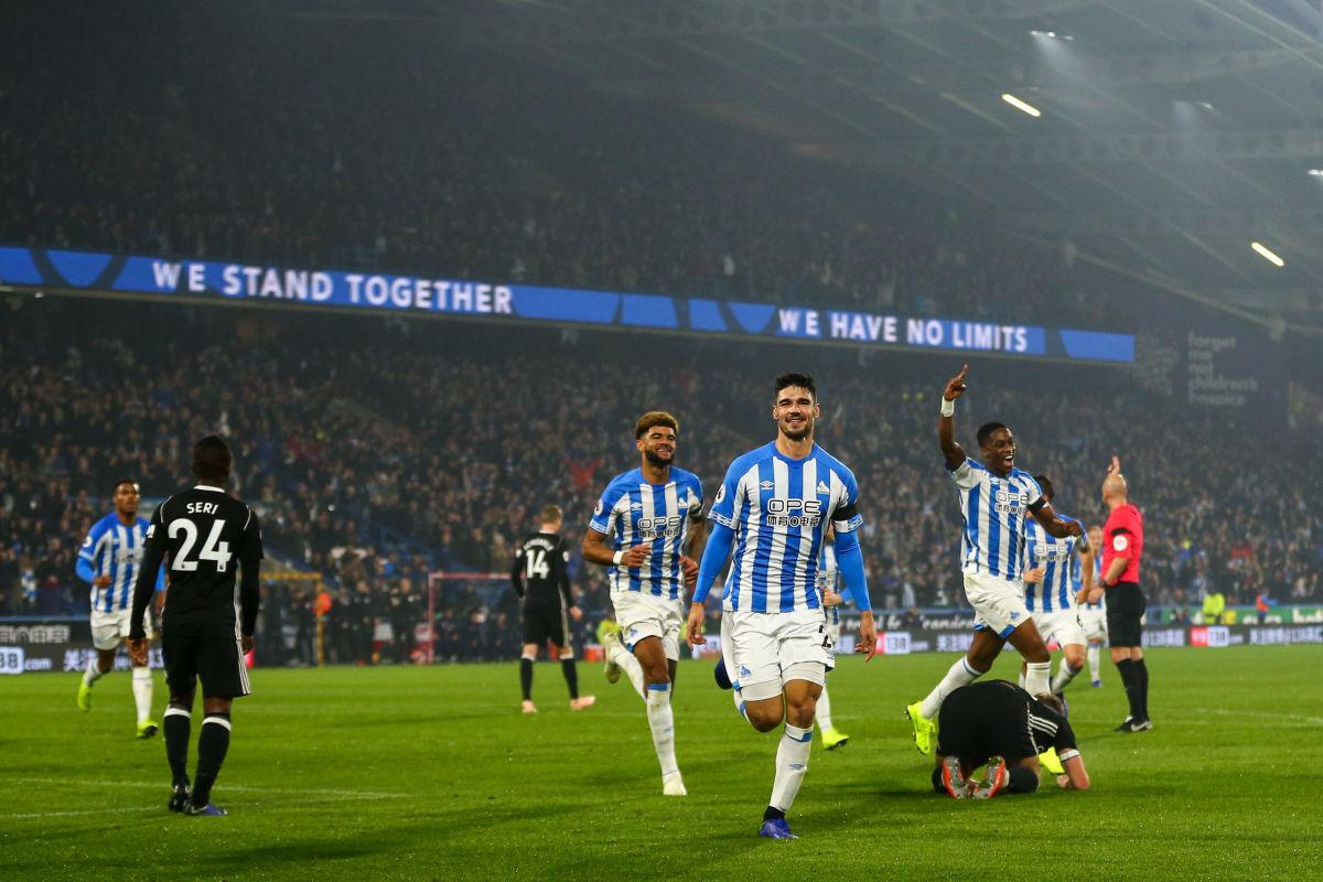 huddersfield-town-v-fulham-fc-premier-league-5c237c9c4f42651182000001.jpg