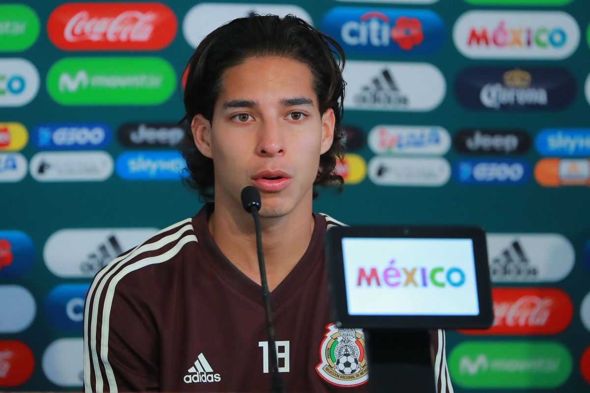 mexico-national-team-training-session-and-press-conference-5b929dececc23a4881000004.jpg