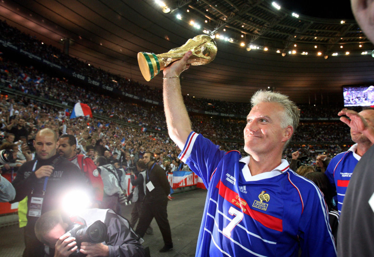 french-player-didier-deschamps-holding-5b4dc4fff7b09d3e61000019.jpg