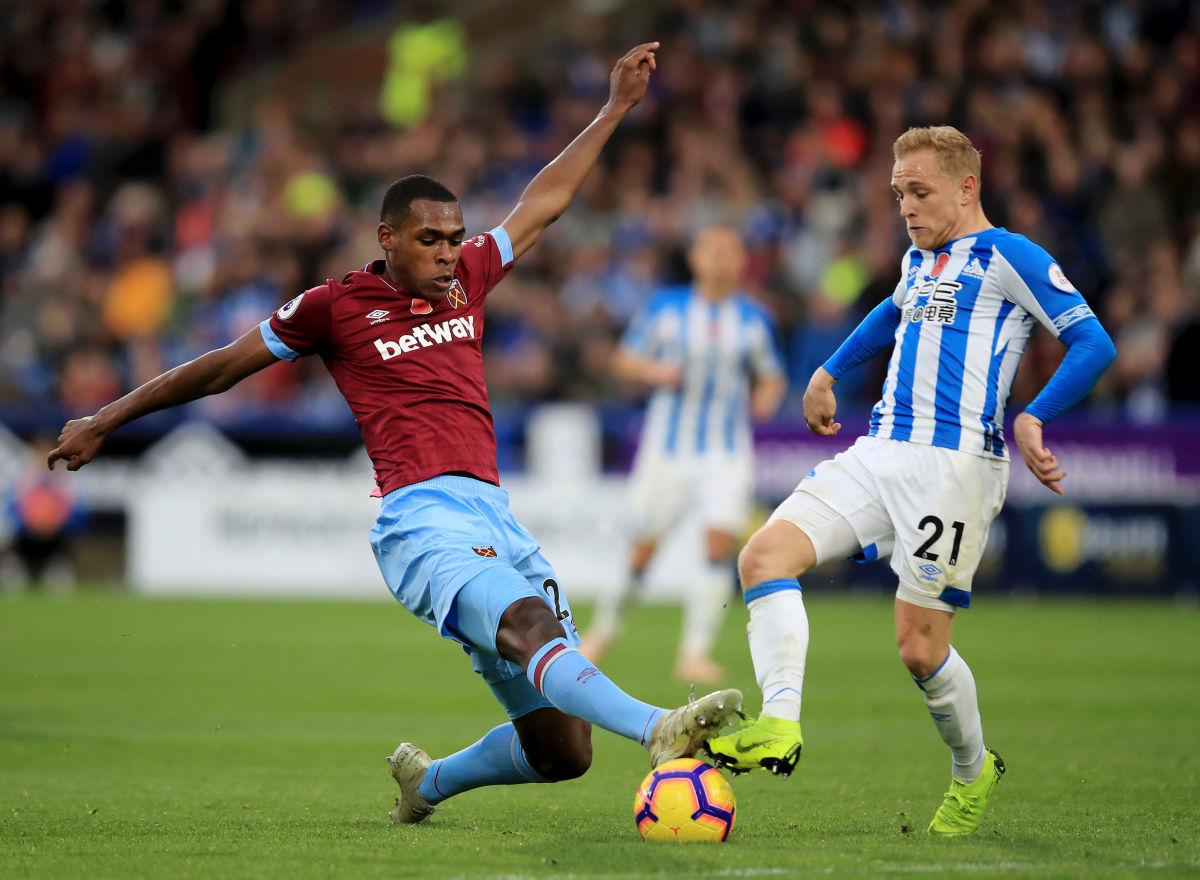 huddersfield-town-v-west-ham-united-premier-league-5beb23798e8c54d05a00000a.jpg