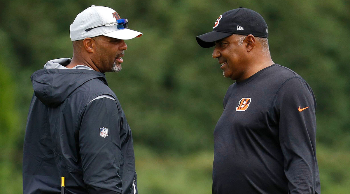 Marvin Lewis (right) brought in Teryl Austin from the Lions to lead the Bengals' defense in 2018.