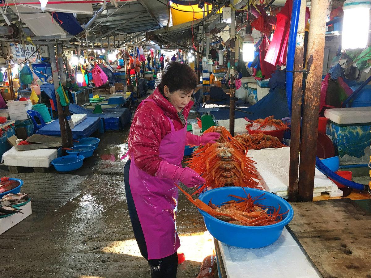 korean-food-market-tour-market.jpg