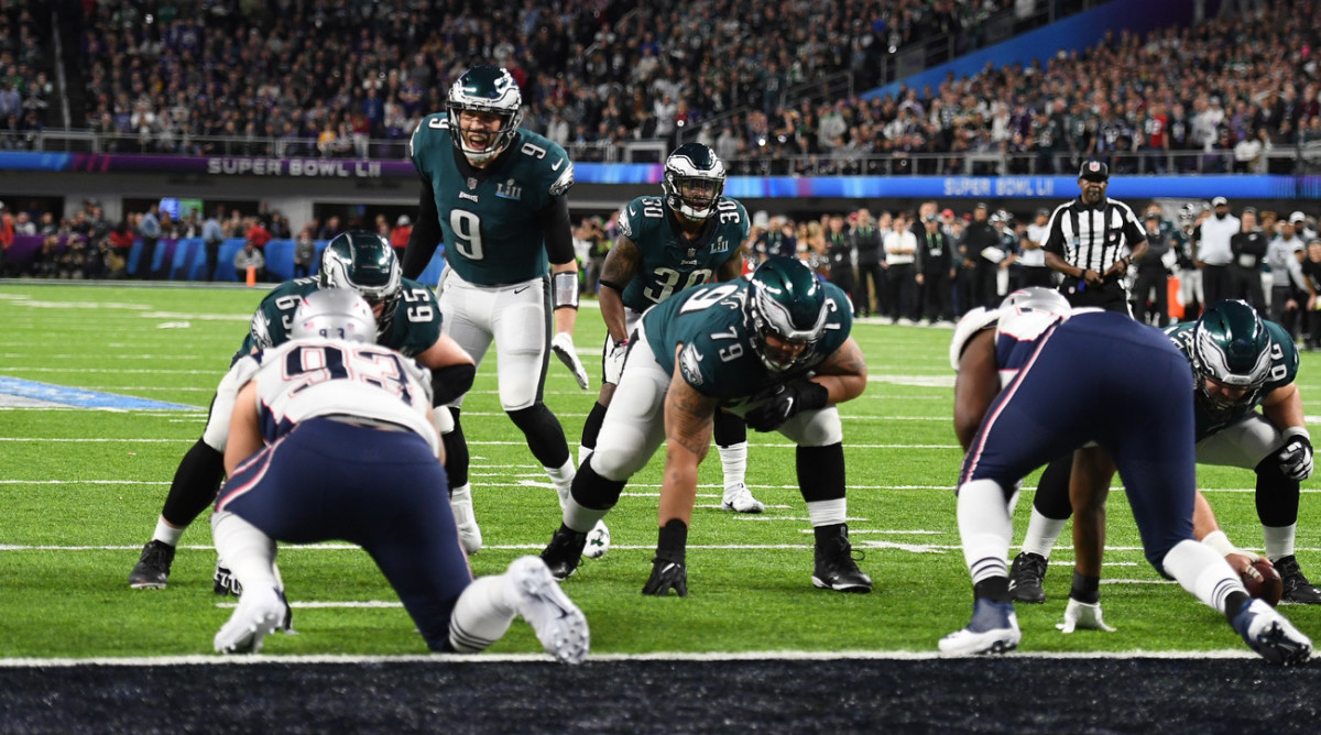 On 'Philly Special,' the most important job for Johnson and Brooks was not to jump the gun as Foles fooled the Patriots.