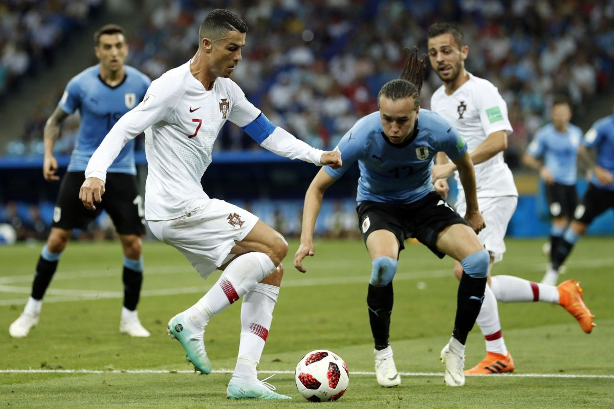 fifa-world-cup-2018-russia-uruguay-v-portugal-5b4f04707134f60e11000028.jpg