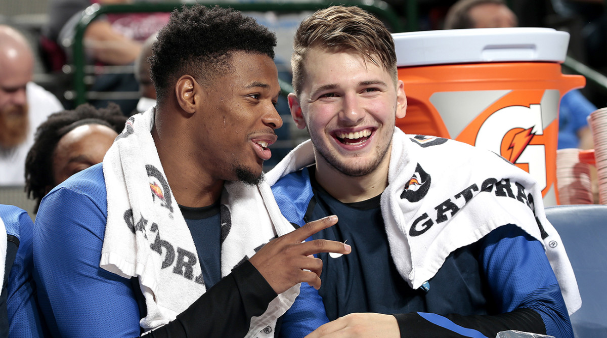 luka-doncic-dennis-smith-dallas-mavericks-inline.jpg