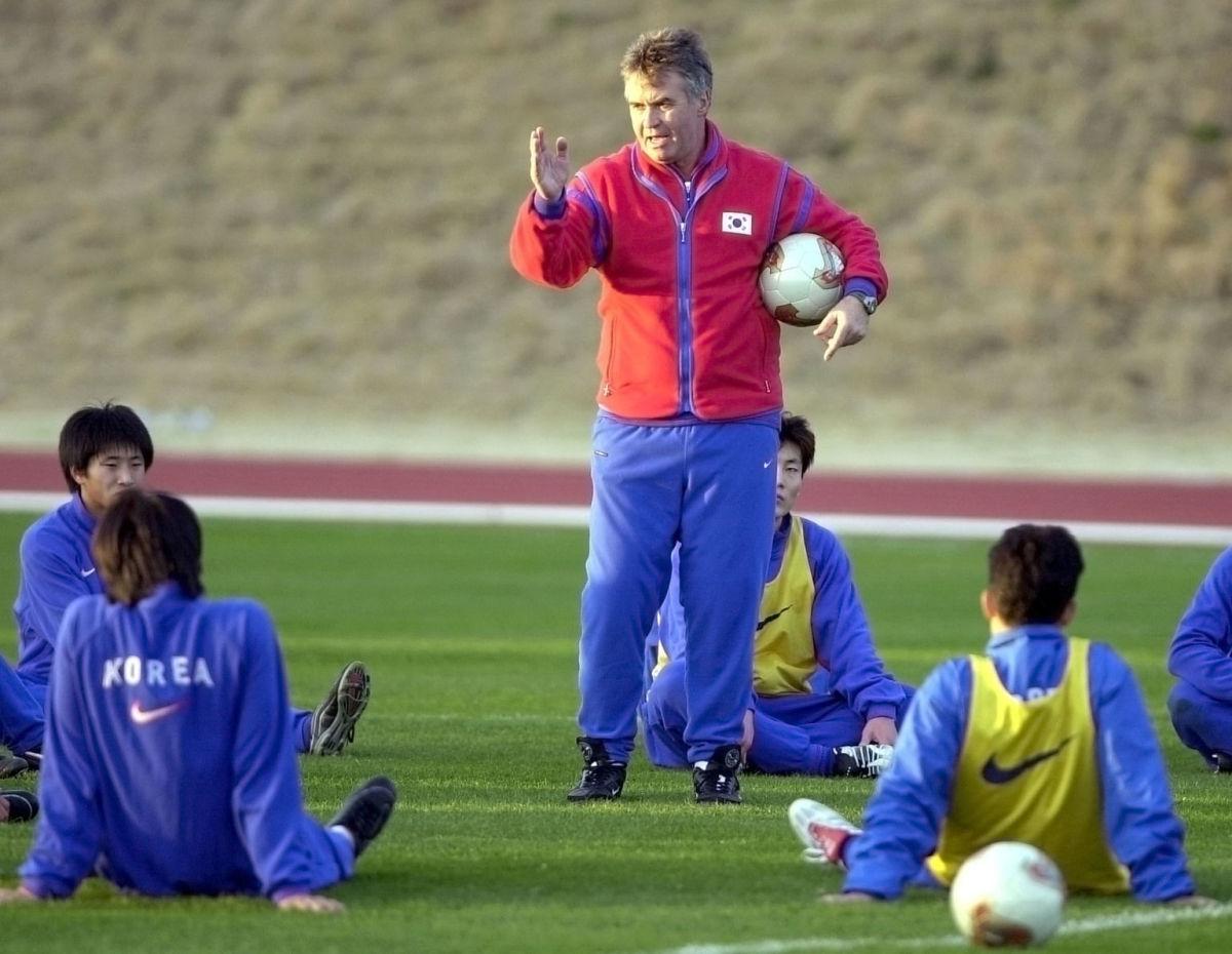 south-korea-s-national-soccer-team-head-coach-guus-5b0826117134f65a48000001.jpg
