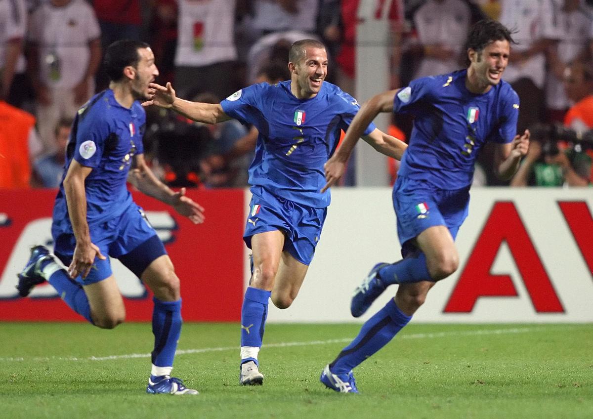 italian-defender-fabio-grosso-r-celebr-5af7162f7134f6e235000005.jpg
