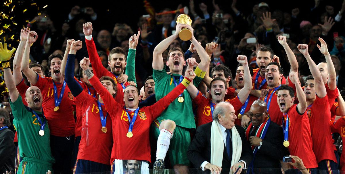 fbl-wc2010-match64-ned-esp-trophy-5b322f2973f36c2738000004.jpg