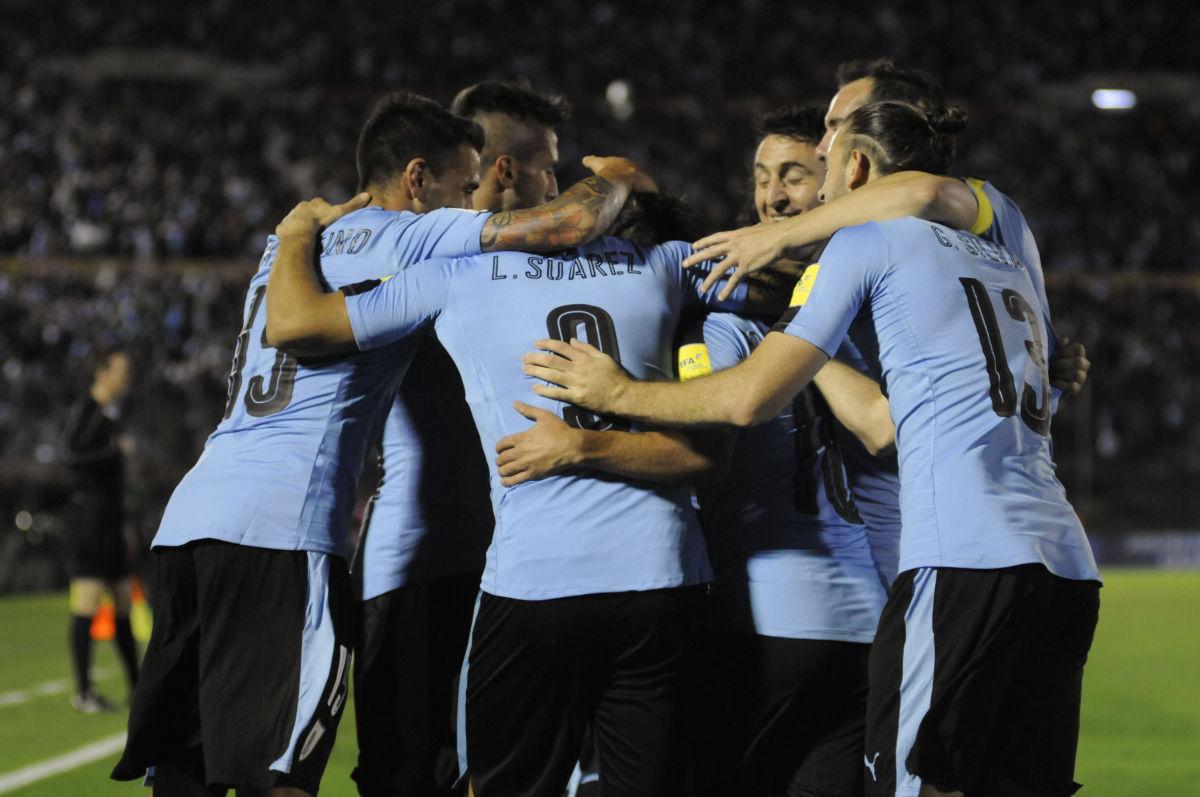 uruguay-v-bolivia-fifa-2018-world-cup-qualifiers-5b0e8102f7b09d4baa000001.jpg