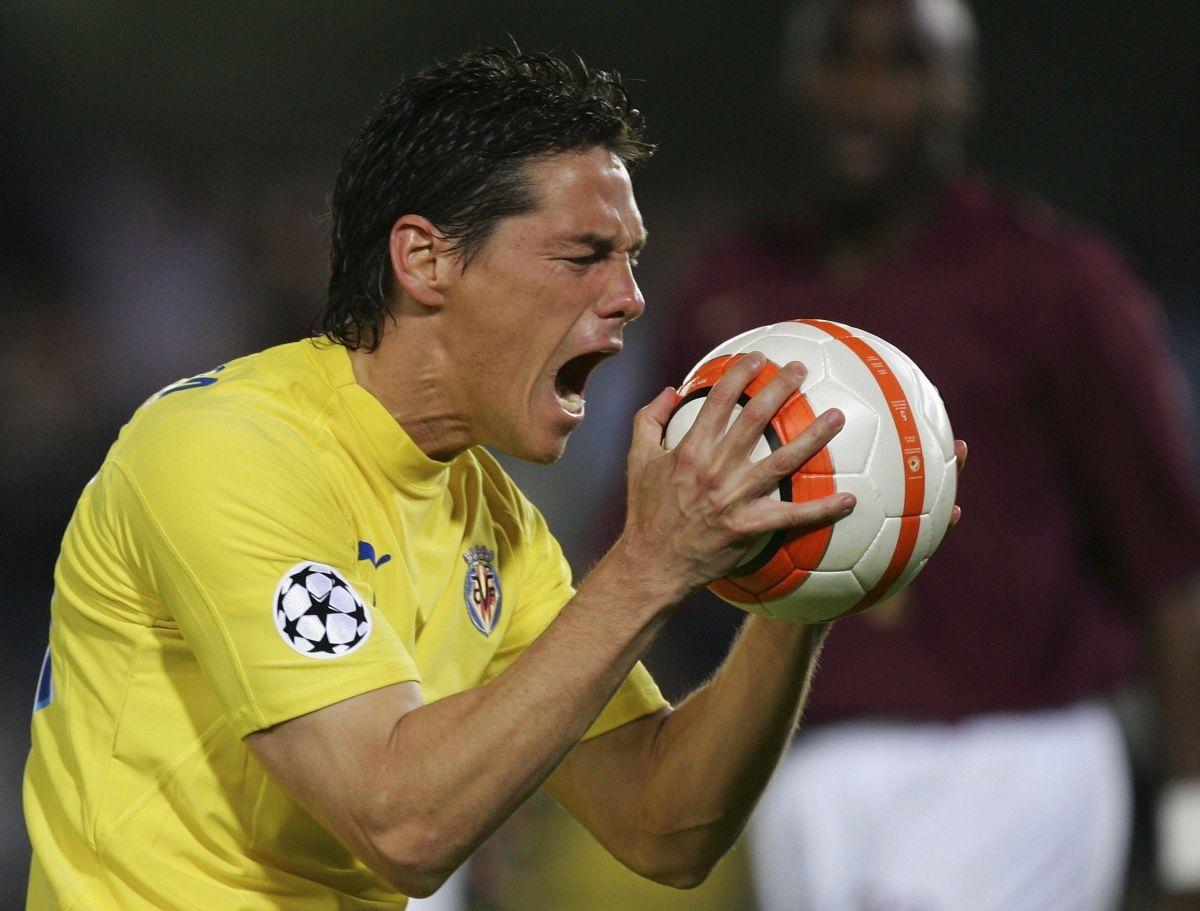 uefa-champions-league-semi-final-villarreal-v-arsenal-5bfd83c3f30be4bea600001d.jpg