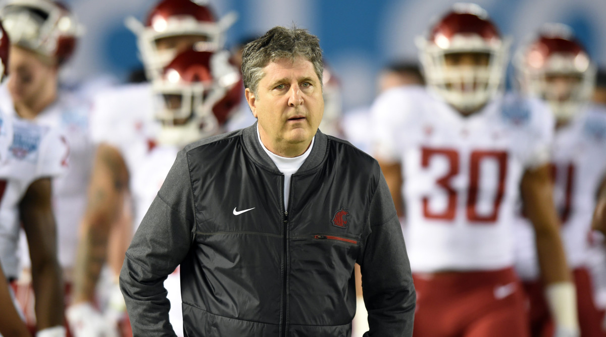 Mike Leach defends tweeting Obama conspiracy video