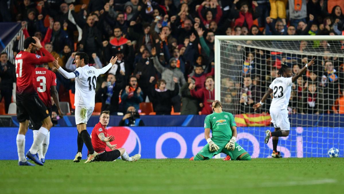 valencia-v-manchester-united-uefa-champions-league-group-h-5c11849155d6a312ea000033.jpg