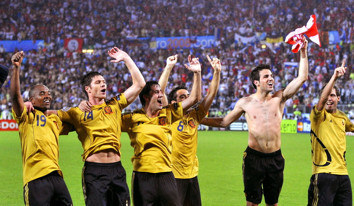 spanish-players-celebrate-at-the-end-of-5b368284347a02dfb9000012.jpg