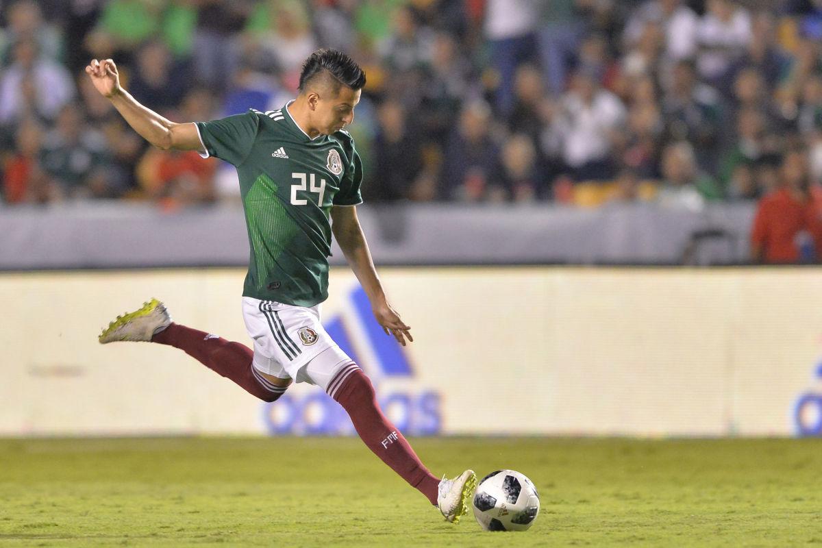 mexico-v-costa-rica-international-friendly-5be06e7917308b9f72000001.jpg