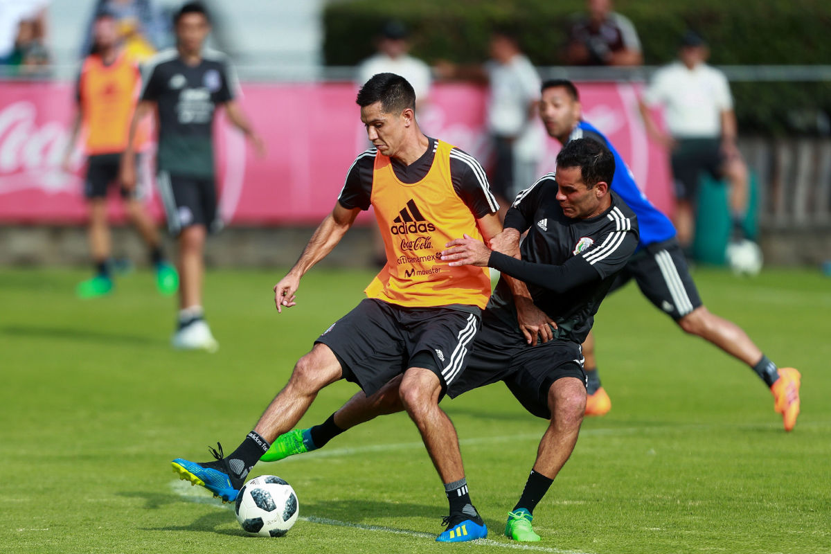 mexico-training-session-and-press-conference-5c25737330305c881f000001.jpg