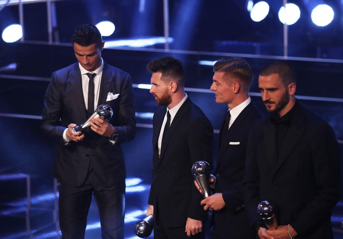 the-best-fifa-football-awards-show-5bbb7f7d199d63619800000c.jpg