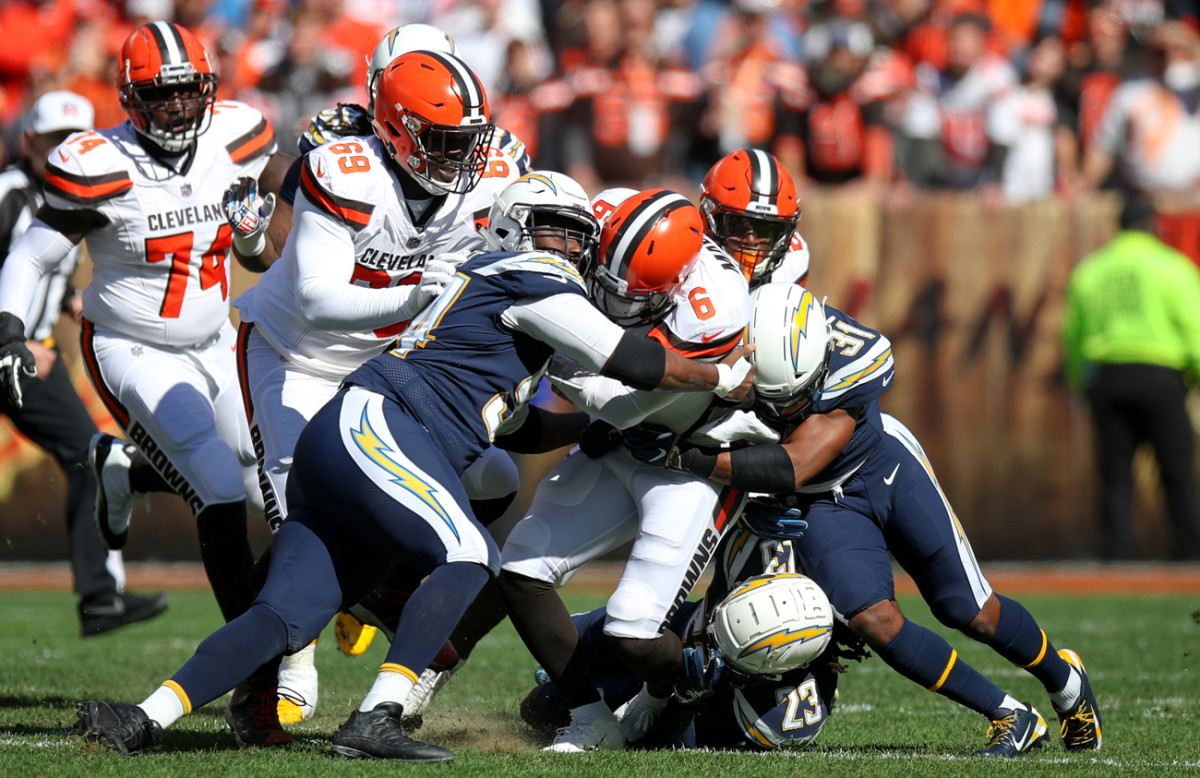 mmqb-6-chargers-browns-baker-mayfield.jpg