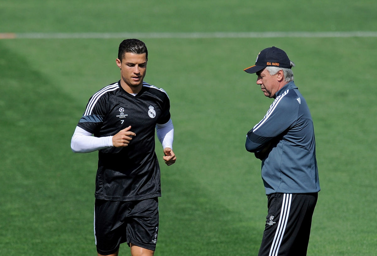 real-madrid-training-and-press-conference-5b4078bd7134f652fe000009.jpg