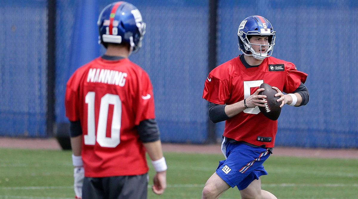 Amid the worst season of his pro career, Manning embraced the role of mentor to the Giants' 2017 third-round draft pick.
