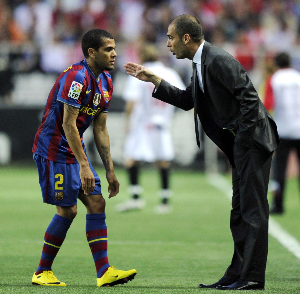barcelona-s-coach-pep-guardiola-r-spea-5be968ded609d3dd4e000002.jpg