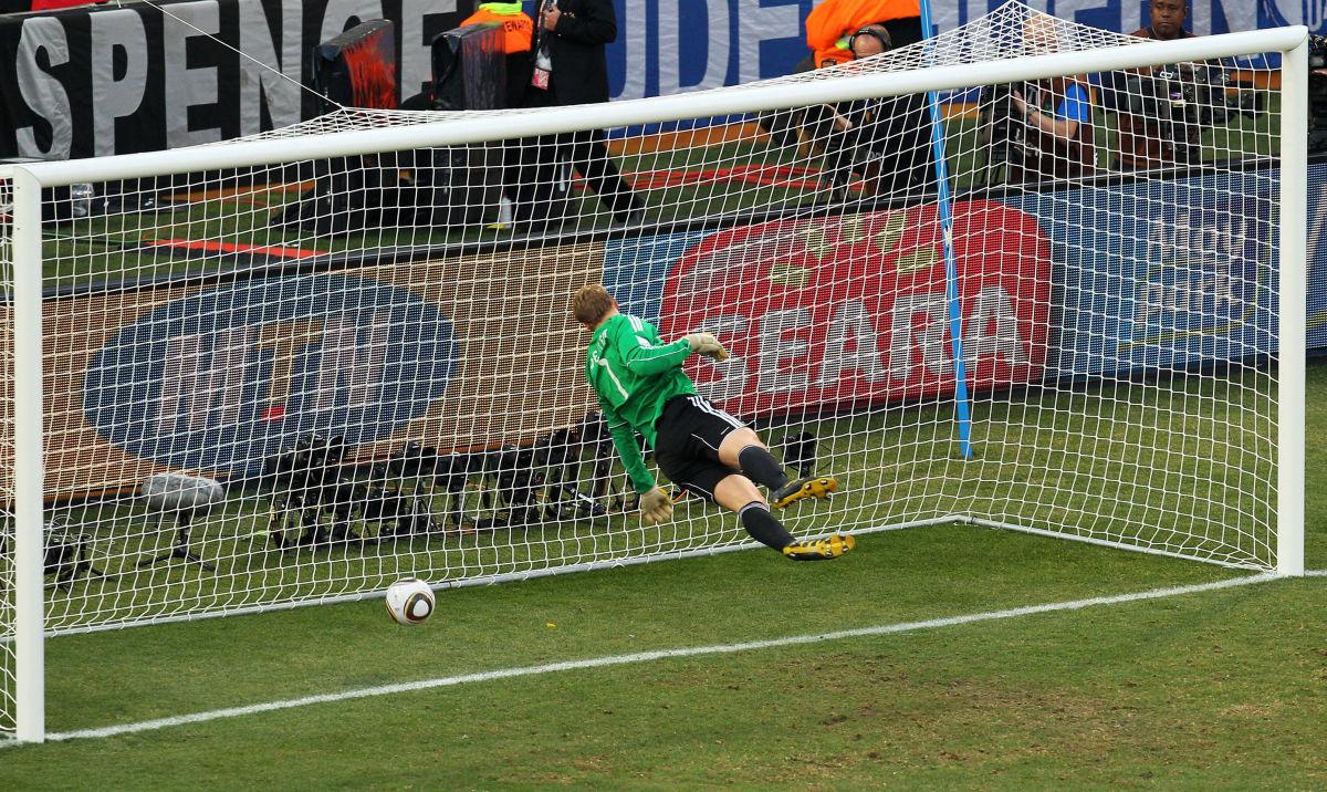 germany-v-england-2010-fifa-world-cup-round-of-sixteen-5b3b66db3467ac7ccb000076.jpg