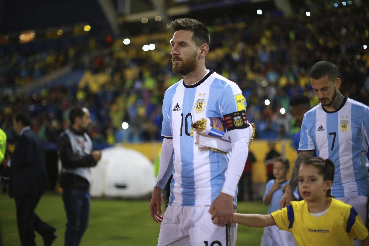 ecuador-v-argentina-fifa-2018-world-cup-qualifiers-5b4f3dbc42fc334782000001.jpg
