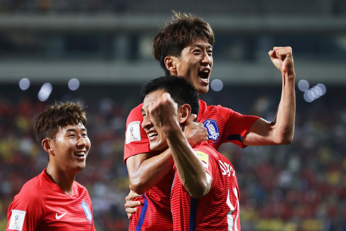 south-korea-v-china-2018-fifa-world-cup-qualifier-group-a-5b0ad010f7b09dea82000001.jpg