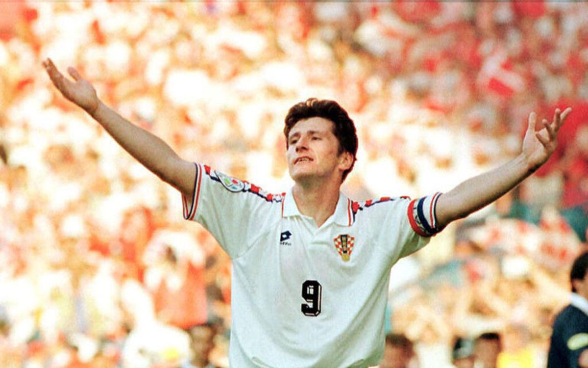 croatian-striker-davor-suker-celebrates-after-scor-5b36222b73f36cd2d5000005.jpg
