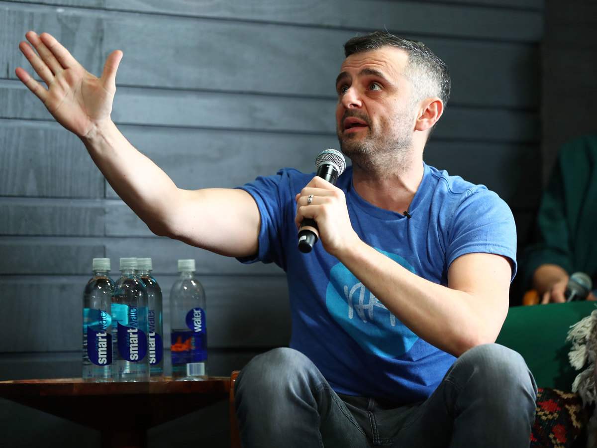 Gary Vaynerchuk claims a Steelers receiver is a better social media strategist than anybody working in Major League Baseball.
