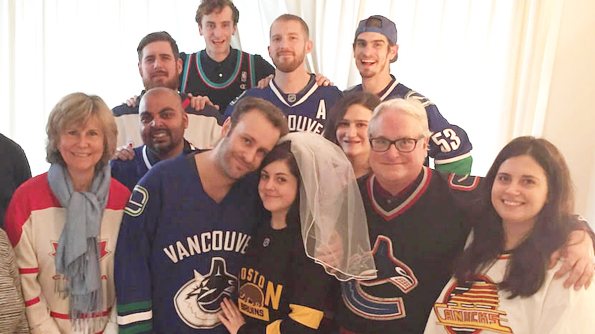hockey-wedding2.jpg