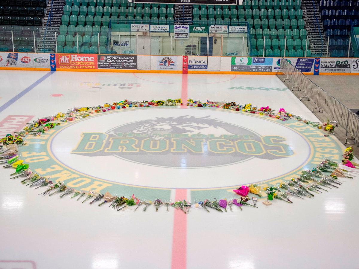 humboldt-broncos-ice-memorial.jpg