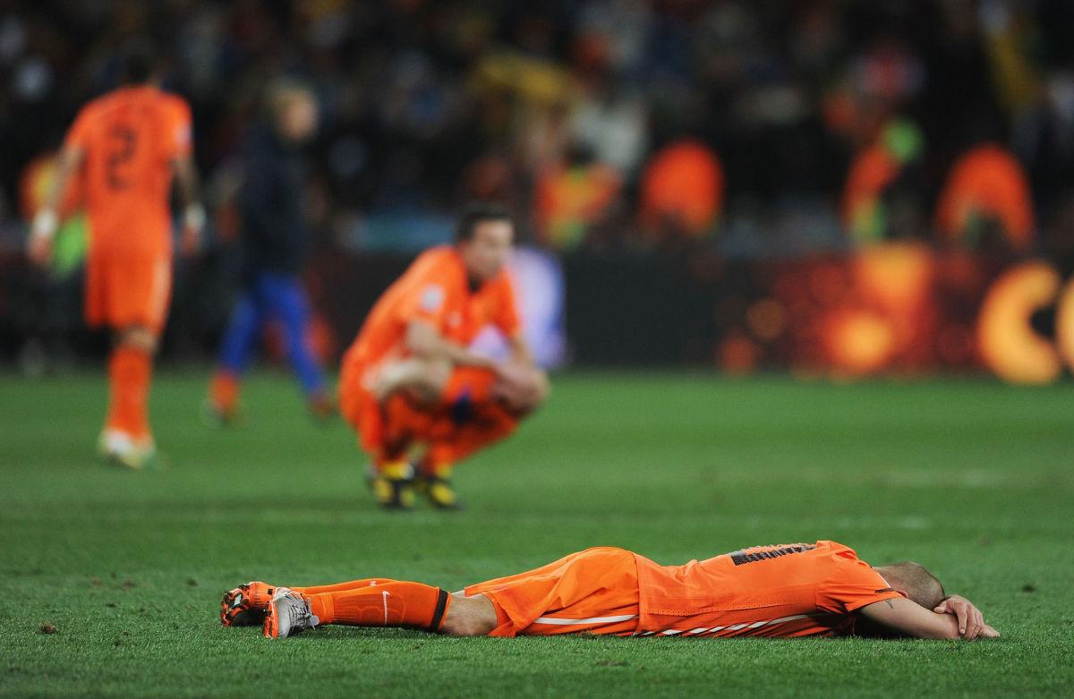 netherlands-v-spain-2010-fifa-world-cup-final-5b19c153347a02d449000004.jpg